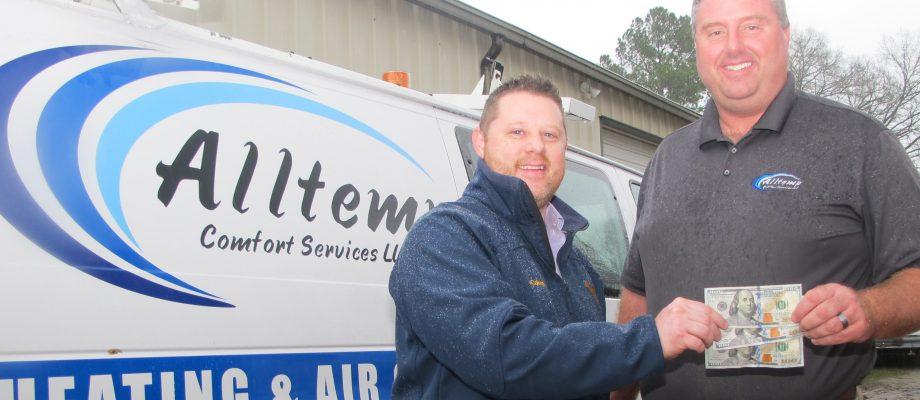 Armentrout wins $300 U-Pick-'Em cash prize